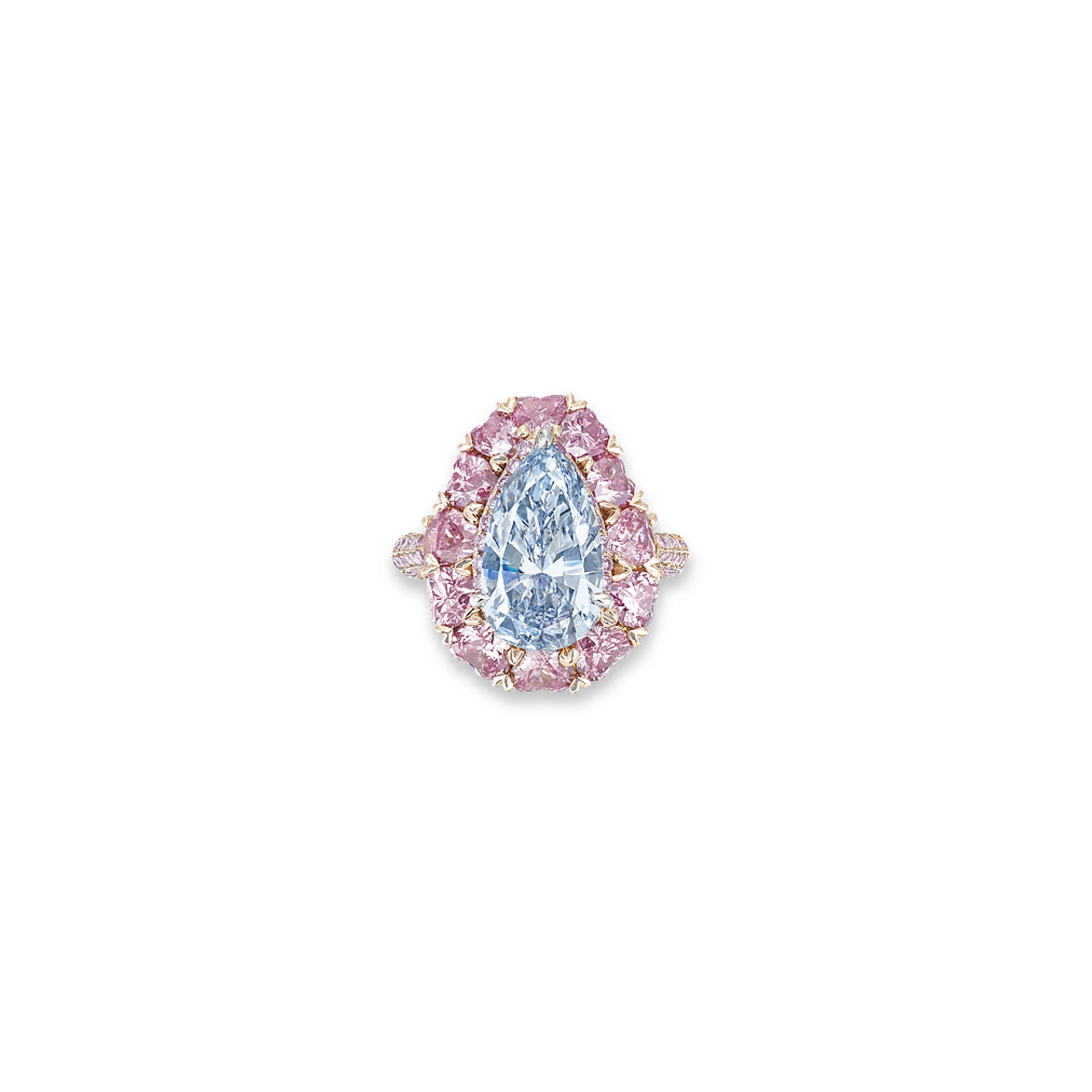 A RARE COLOURED DIAMOND RING,