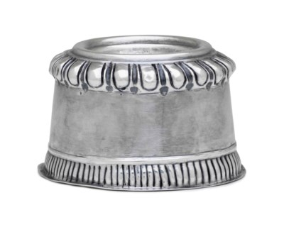A SILVER TRENCHER SALT