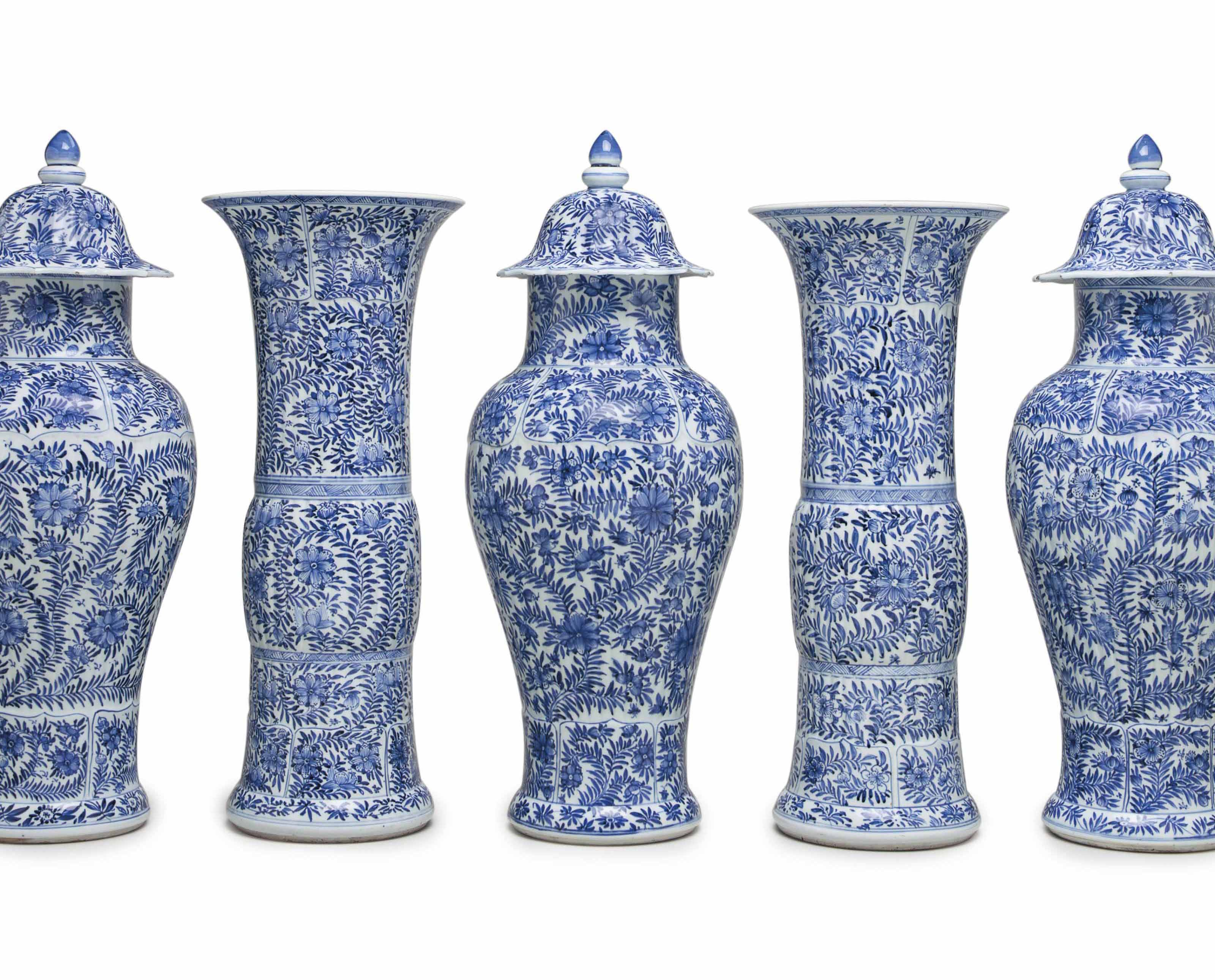 A VERY LARGE BLUE AND WHITE FIVE-PIECE GARNITURE