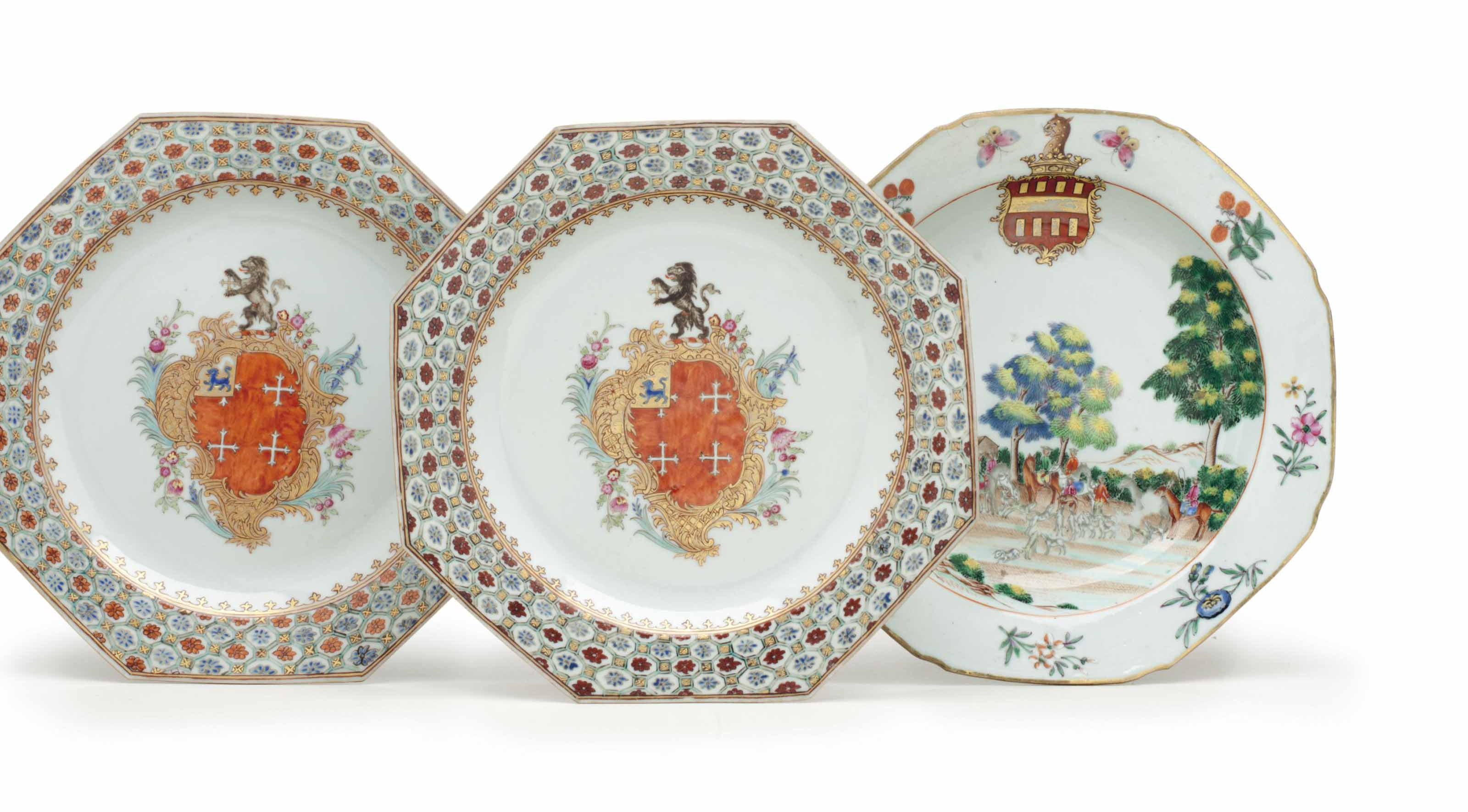 A PAIR OF ARMORIAL PLATES AND AN ARMORIAL PLATE