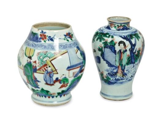 TWO CHINESE WUCAI JARS,