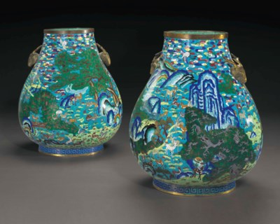 A RARE PAIR OF LARGE CLOISONNÉ