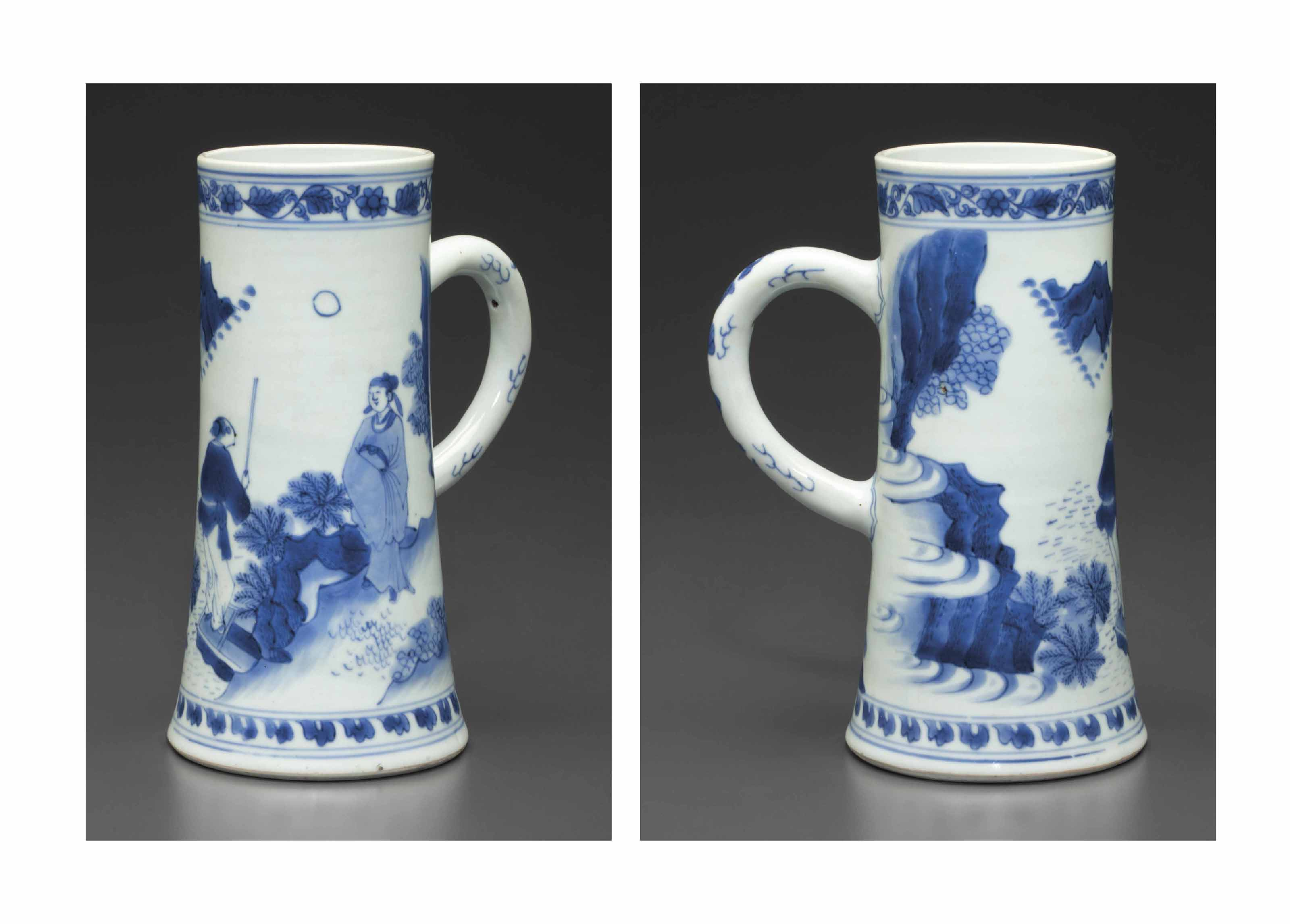 A BLUE AND WHITE TANKARD