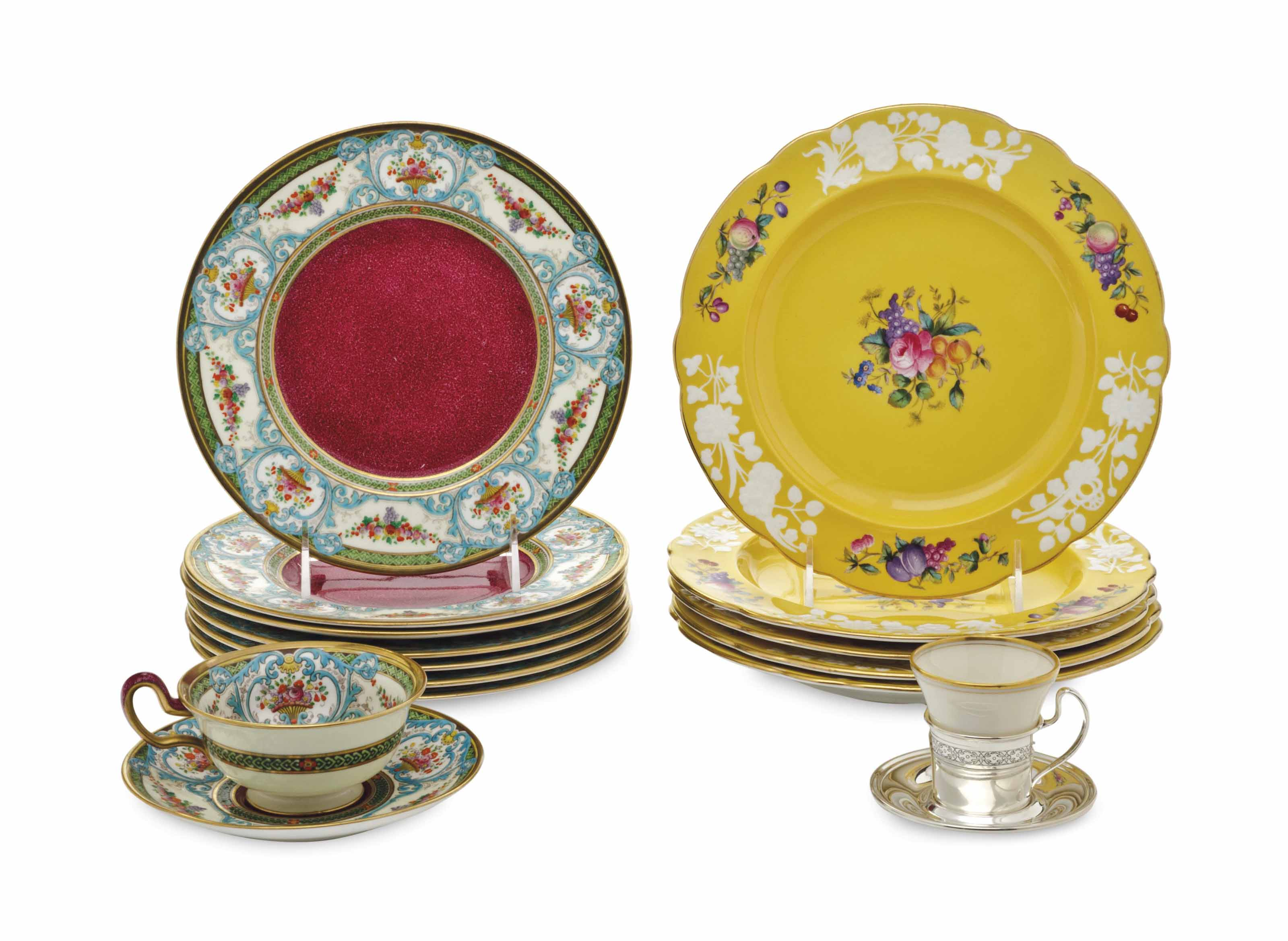 AN ASSEMBLED TWO PART ENGLISH PORCELAIN PART DESSERT SERVICE,