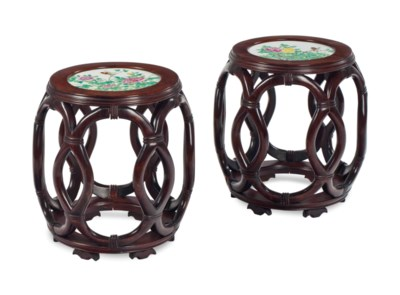 A PAIR OF CHINESE PORCELAIN IN