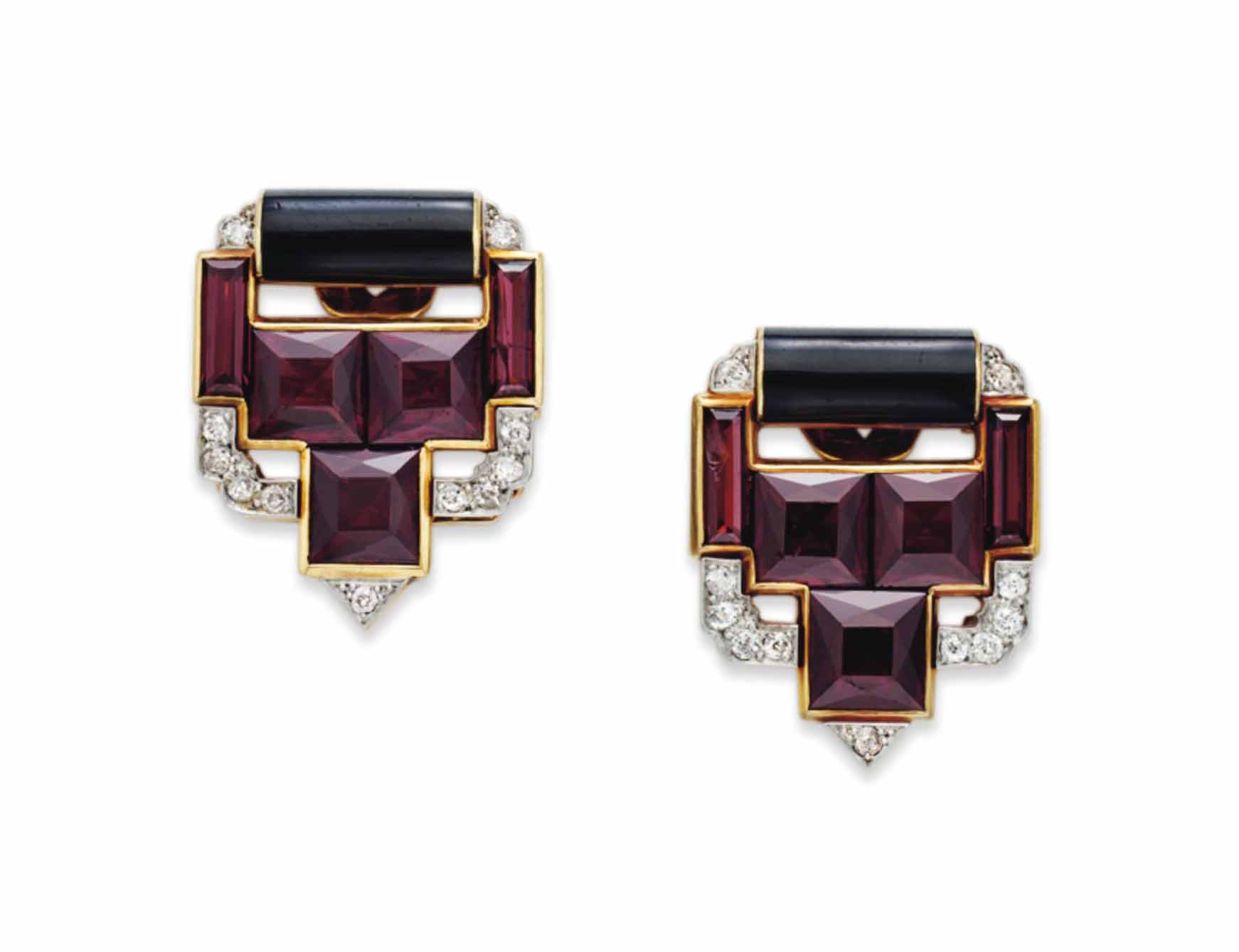 A PAIR OF ART DECO GARNET, DIA