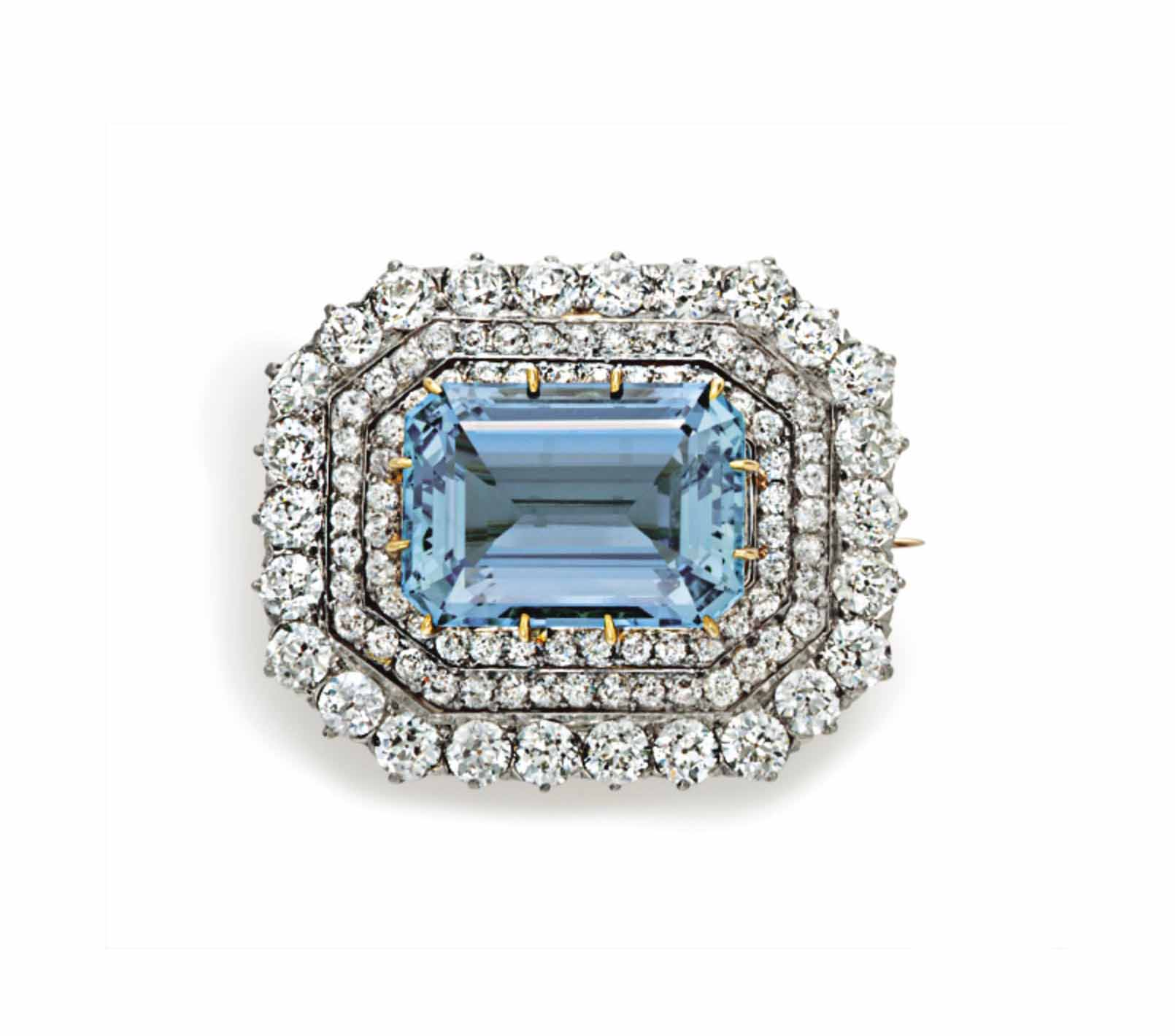 AN ANTIQUE AQUAMARINE AND DIAM