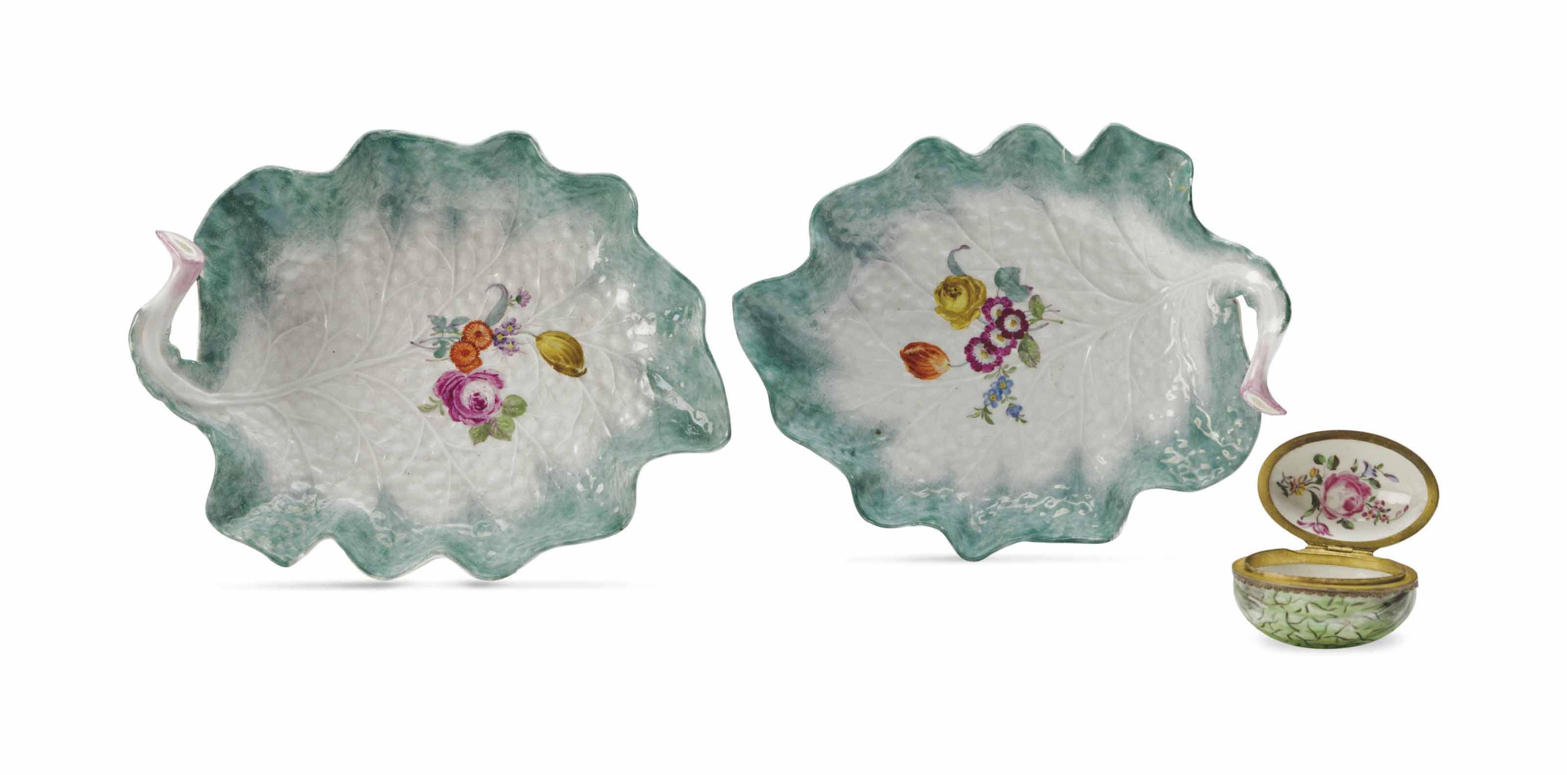 A PAIR OF MEISSEN LEAF-FORM DI