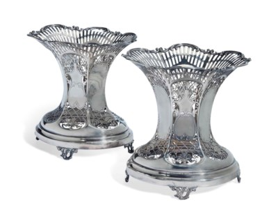 A PAIR OF ENGLISH SILVER SWEET