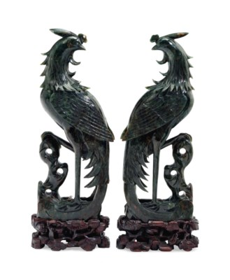 A PAIR OF CHINESE CARVED MOTTL