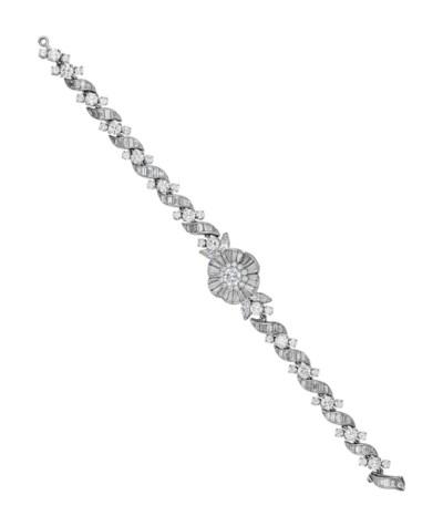 A DIAMOND WATCH BRACELET, BY V