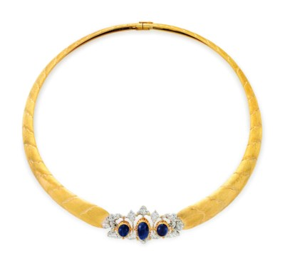 A SAPPHIRE AND GOLD NECKLACE,