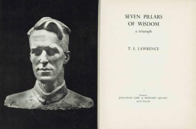 LAWRENCE, T. E. Seven Pillars