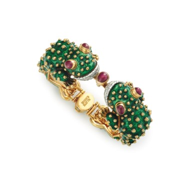 A diamond, ruby and enamel Frog bracelet, by David Webb. Sold for $31,250 on 10 December 2015 at Christie's in New York