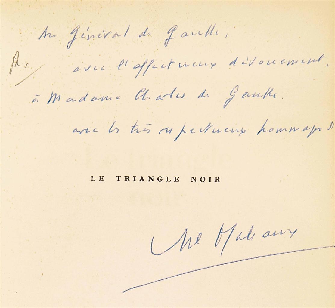 André MALRAUX (1901-1976). Le Triangle noir. Laclos. Goya. Saint-Just. Paris: NRF, 6 avril 1970. In-8 (216 x 125 mm). Broché, couverture rempliée, étui de maroquin ébène signé des ateliers Laurenchet.