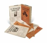 La Révolution surréaliste. 12 numéros, n° 1 (décembre 1924) à 12 (décembre 1929). Les n° 9 & 10 parus en une seule livraison (octobre 1927). Paris : Gallimard, 1924-1929. In-4 (279 x 195 mm). Reliés en un volume, demi-basane blanche à bandes, plats de toile bleue, dos lisse avec le titre doré, couvertures conservées (oranges pour les n° 1 à 8 et blanches pour les n° 9-10 à 12).