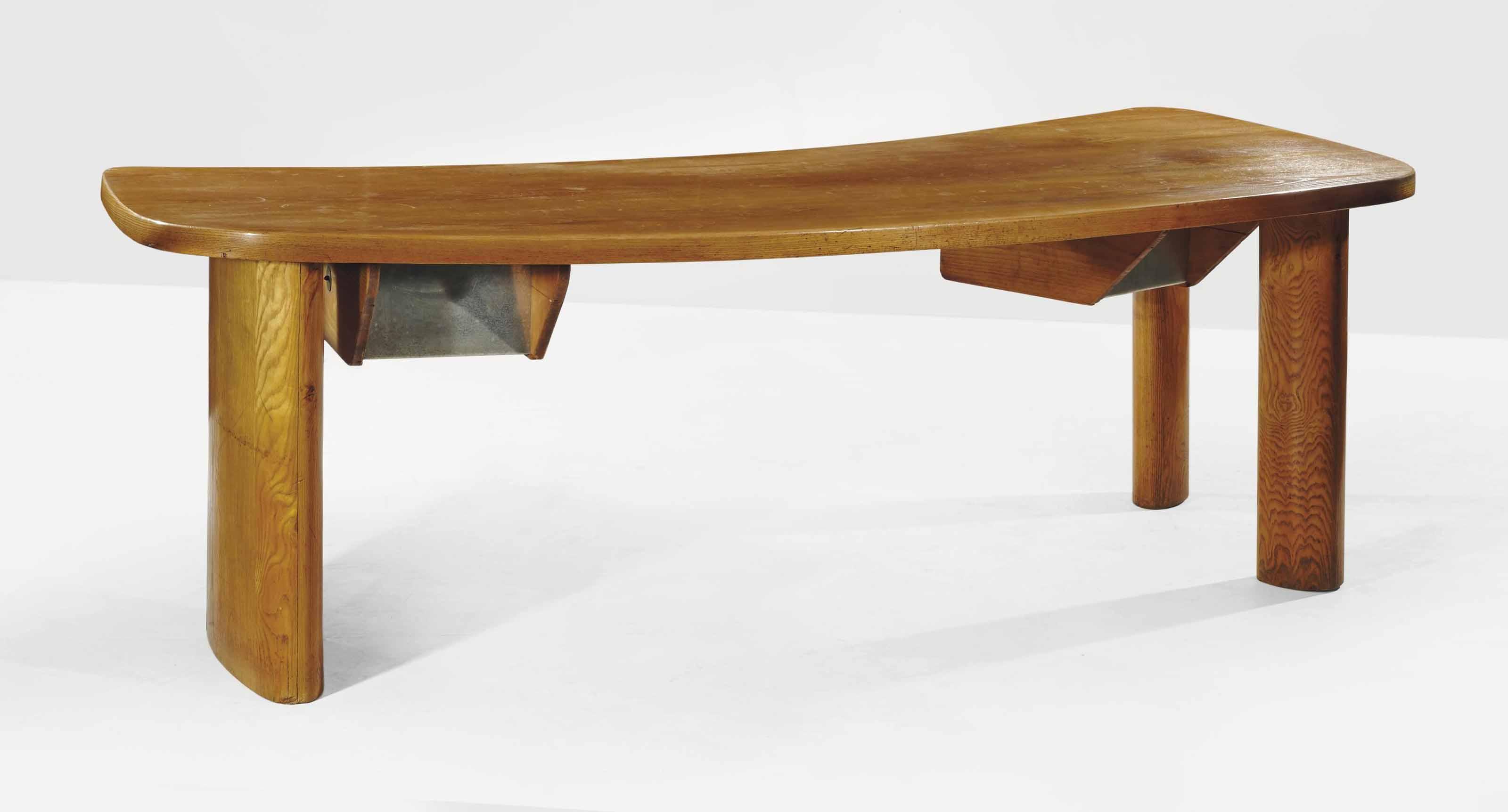 Charlotte perriand 1903 1999 bureau 39 en forme 39 le modele cree en 1939 dition steph simon - Bureau charlotte perriand ...