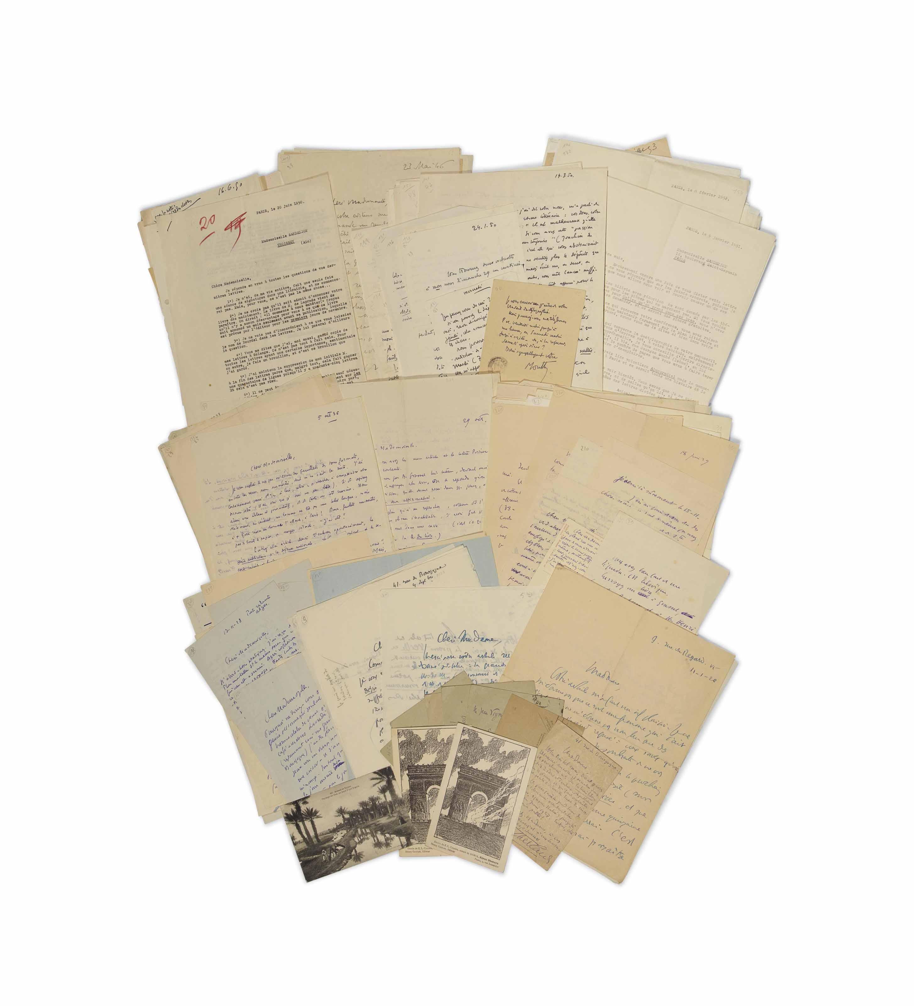 Henry de MONTHERLANT (1895-1972). Volumineuse correspondance, en partie inédite, adressée à Jeanne Sandelion (1899-1976) entre 1926 et 1963. Elle comporte 233 lettres (dont 2 pneumatiques), 37 cartes postales, 6 billets, 3 télégrammes et 25 brouillons de lettres. Environ 450 pages de divers formats.