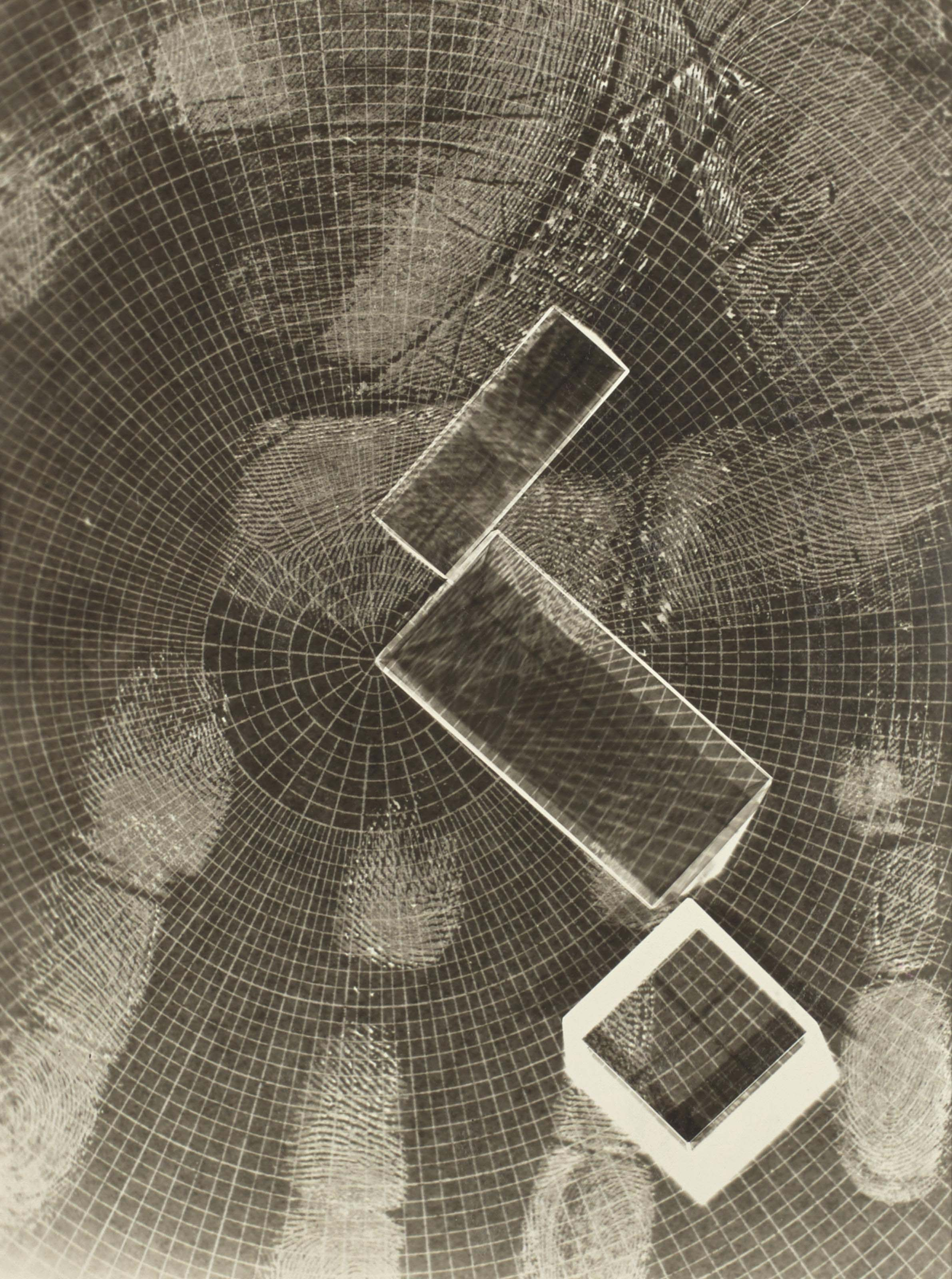 Prisms and Grid, vers 1939