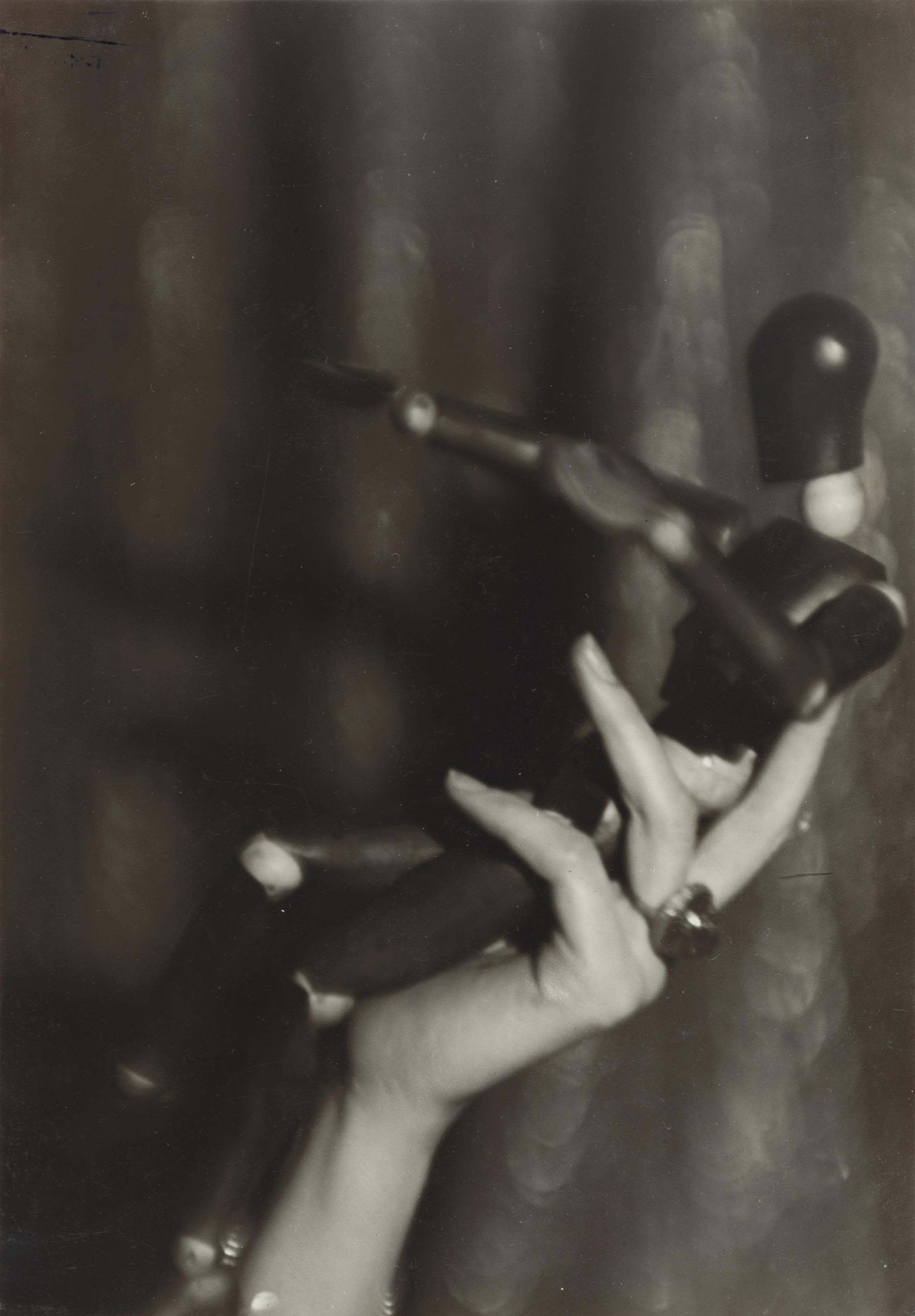 Untitled (Hand Study with Mannequin), vers 1929