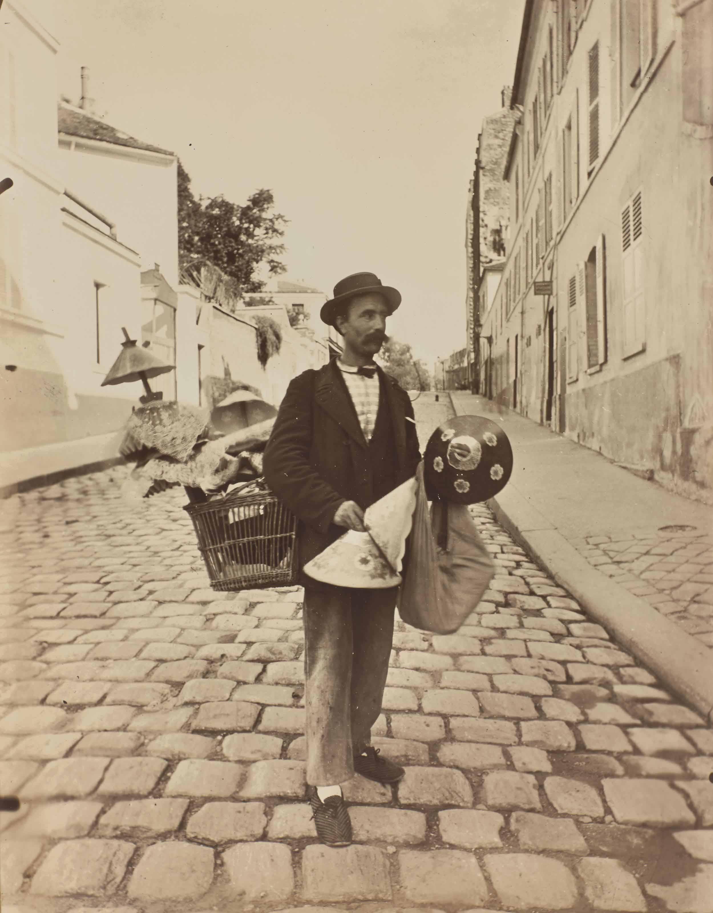 Marchand d'abat-jour rue Lepic, 1898
