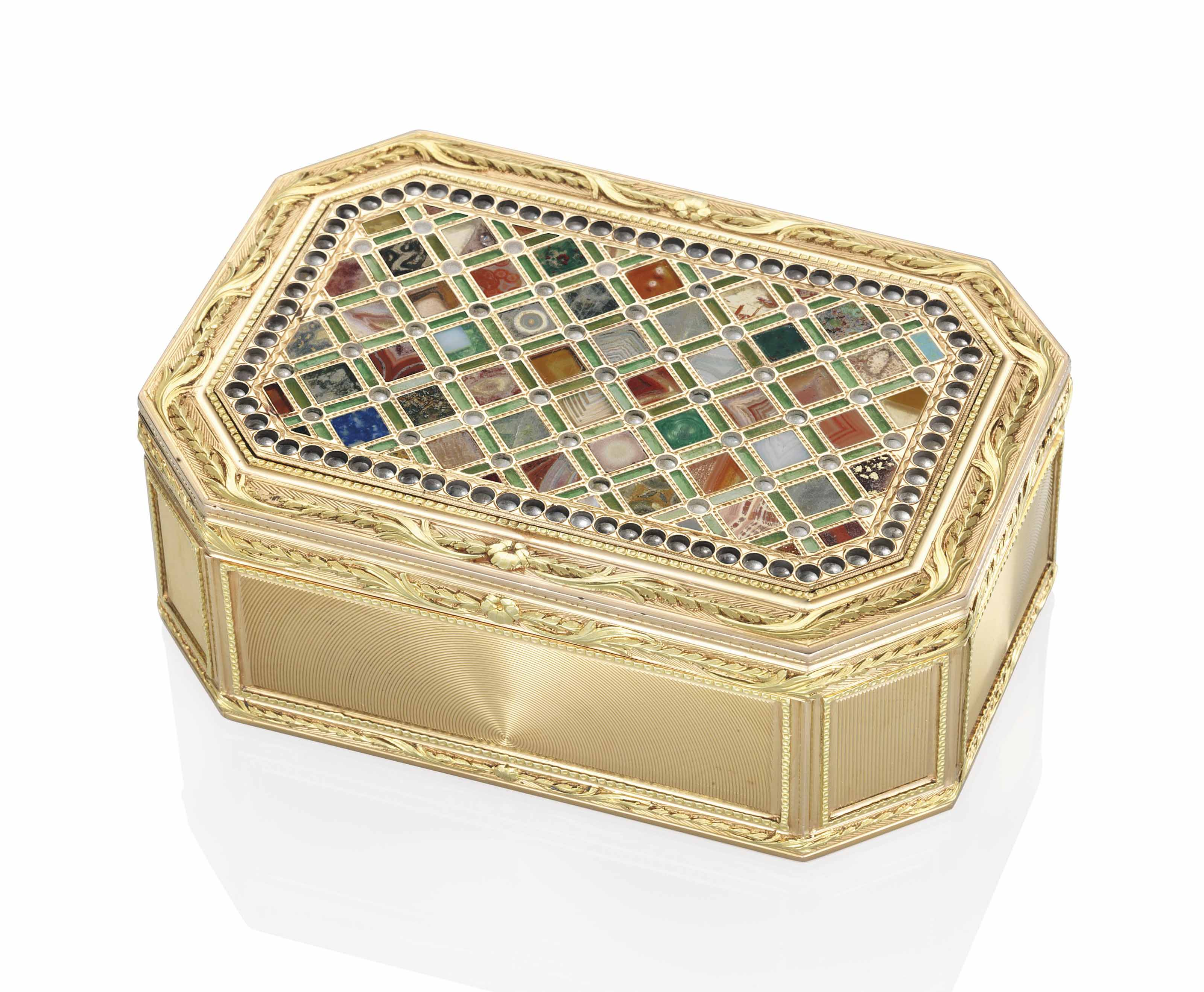 A GERMAN VARI-COLOUR GOLD SNUFF-BOX SET WITH A HARDSTONE PLAQUE