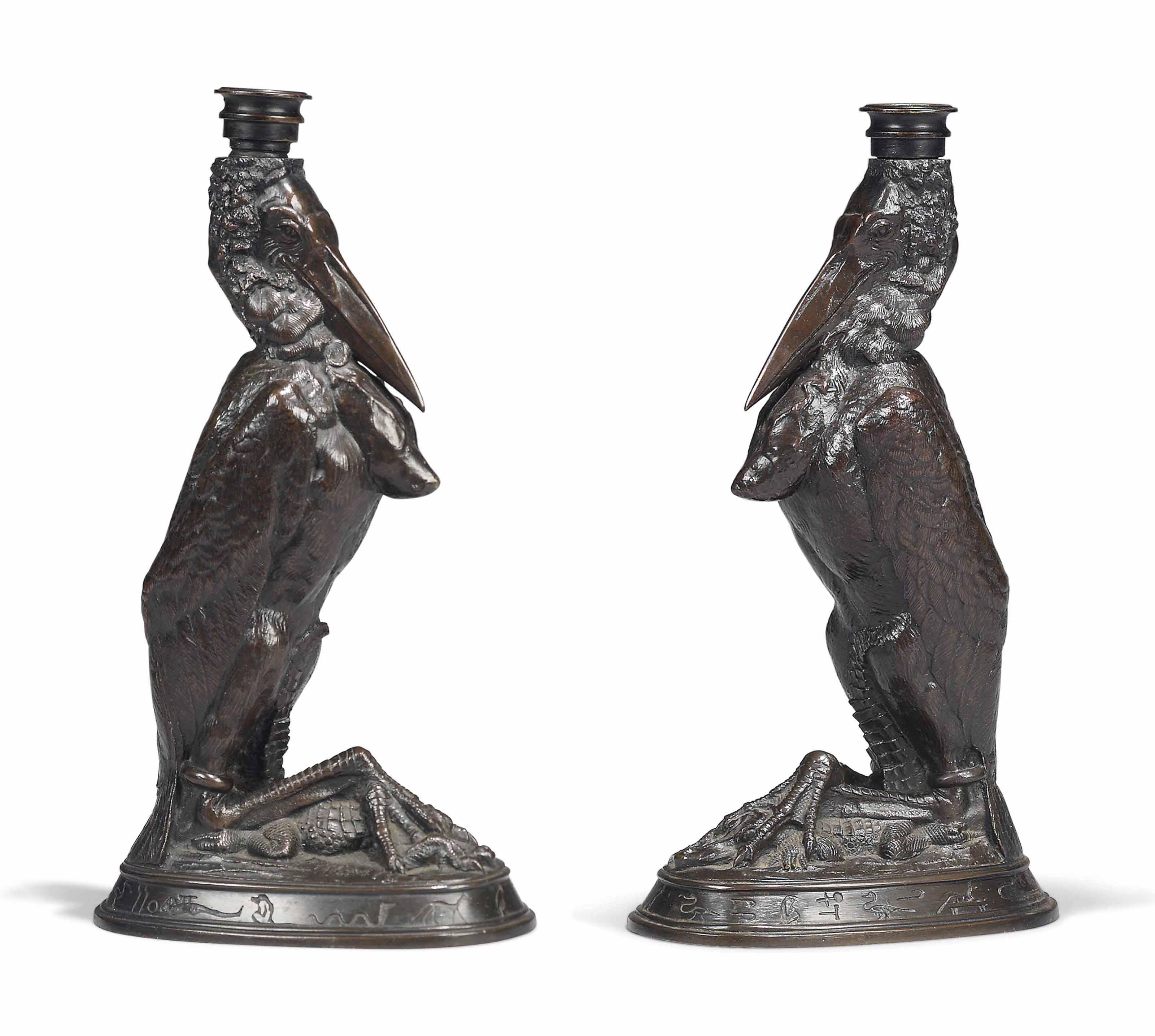Marabout tenant un caïman dans ses pattes (A stork holding a caiman in its legs)