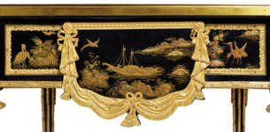 A FRENCH ORMOLU-MOUNTED LACQUE