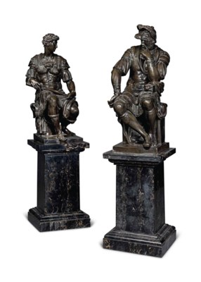 A PAIR OF FRENCH BRONZE STATUE