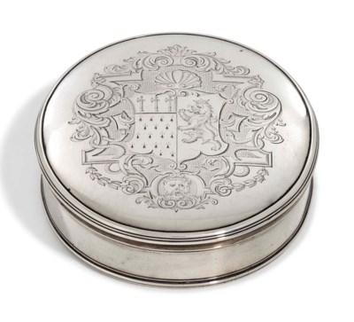 A GEORGE II SILVER TOBACCO-BOX