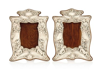 A MATCHED PAIR OF EDWARDIAN AR