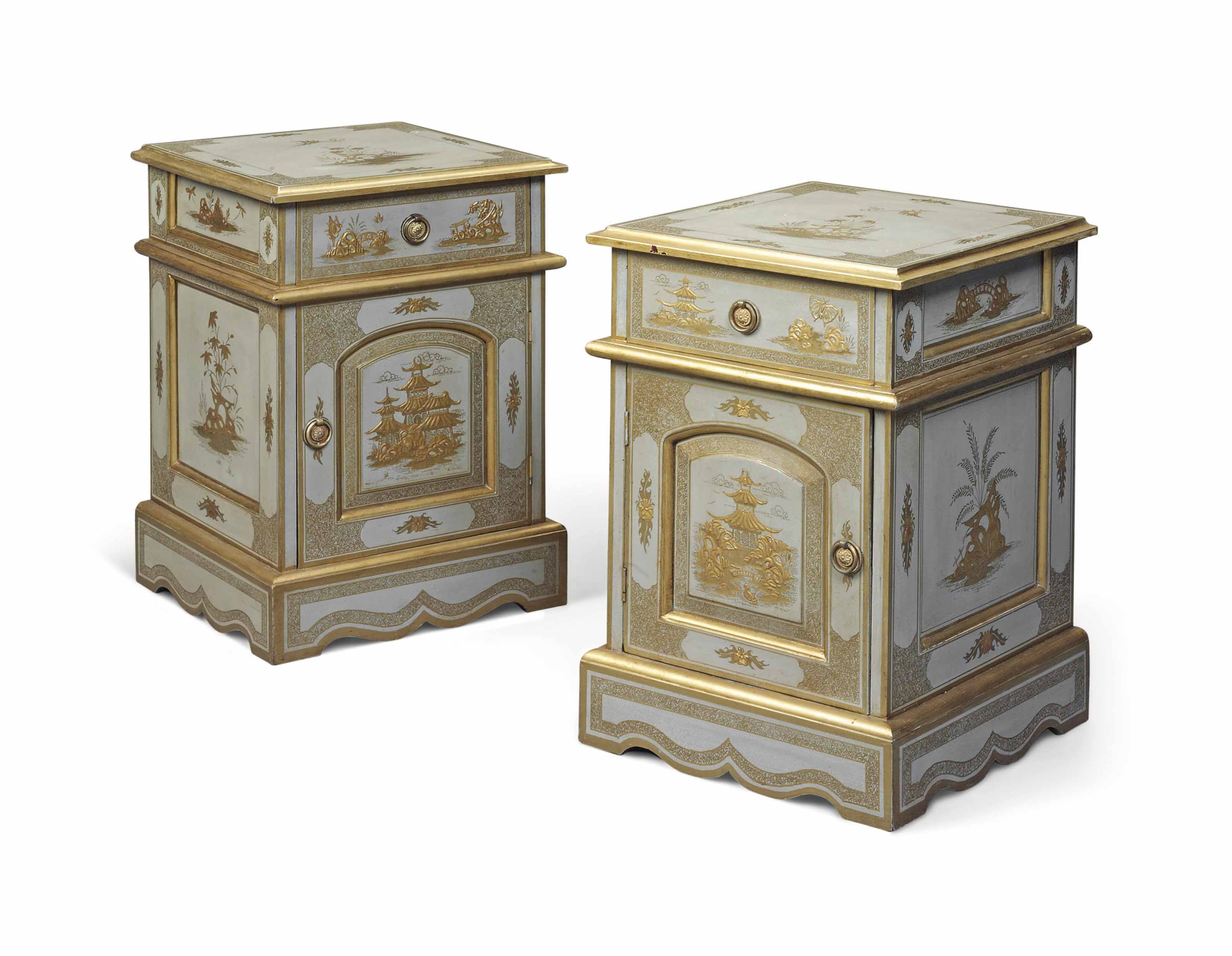 A PAIR OF JAPANNED BEDSIDE CAB