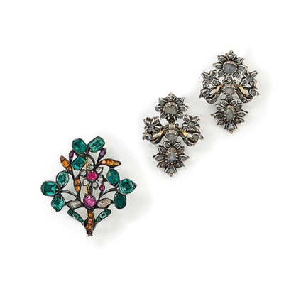 A PAIR OF 18TH CENTURY DIAMOND