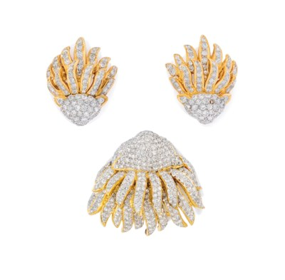 A DIAMOND BROOCH AND PAIR OF E