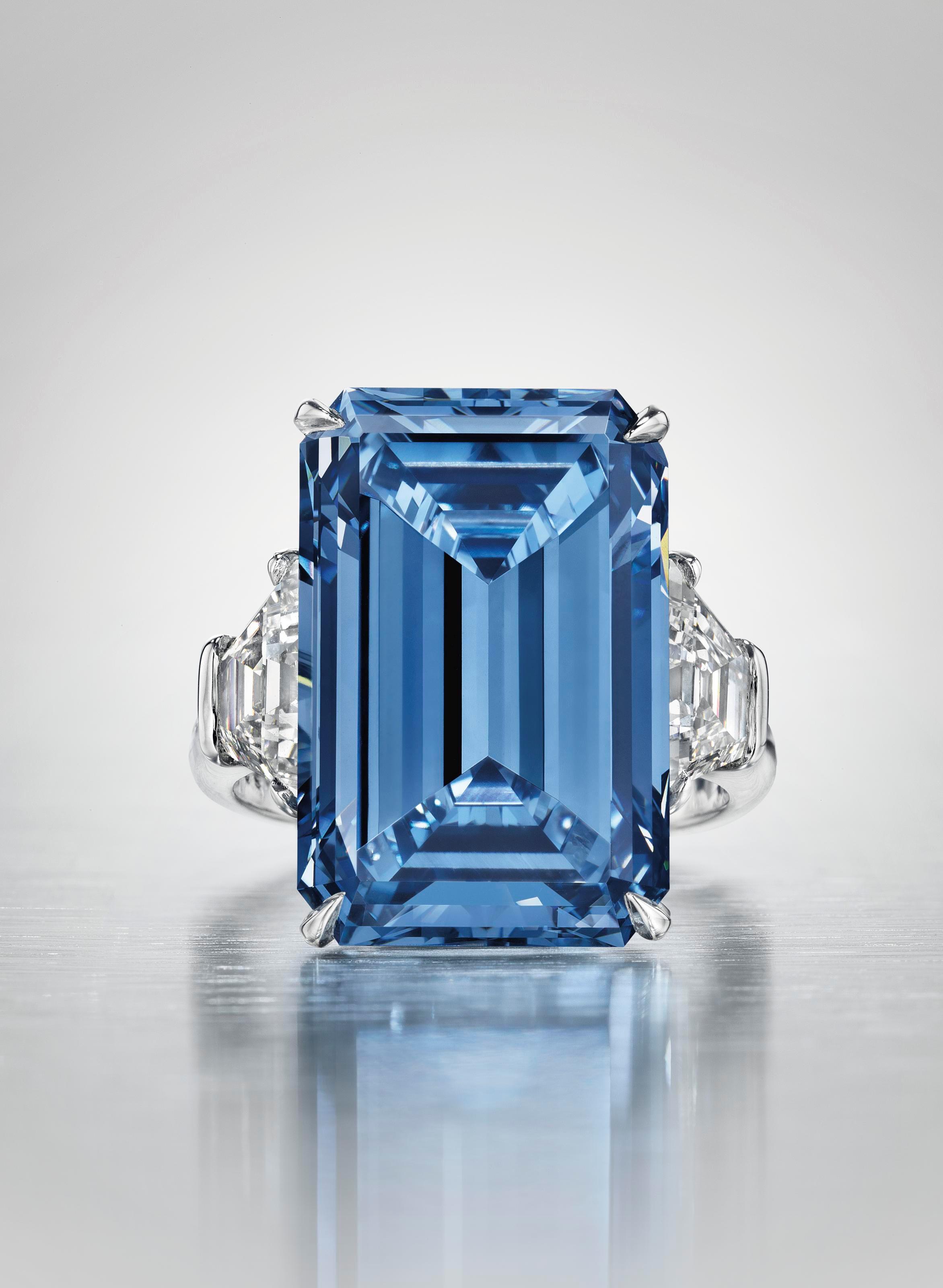 奥本海默蓝钻戒指。2016年5月18日在佳士得日内瓦以56,837,000瑞郎成交。