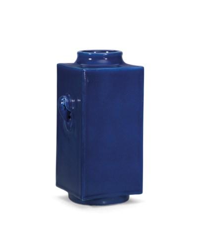 A BLUE-GLAZED CONG-SHAPED VASE