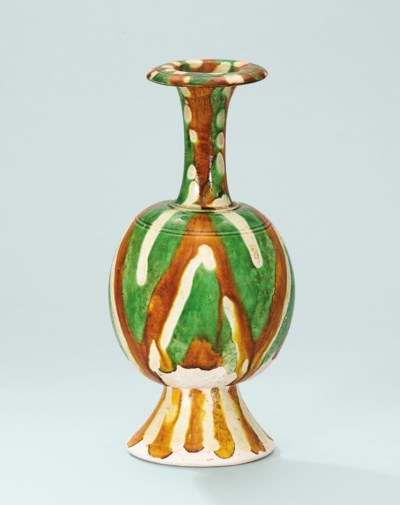 A SANCAI-GLAZED VASE