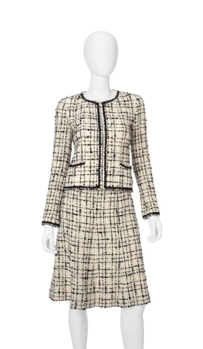 A CHANEL TWO-PIECE SKIRT SUIT
