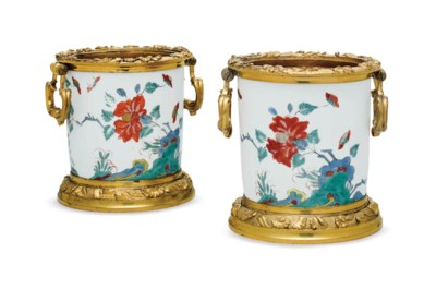 A PAIR OF EARLY LOUIS XV ORMOL