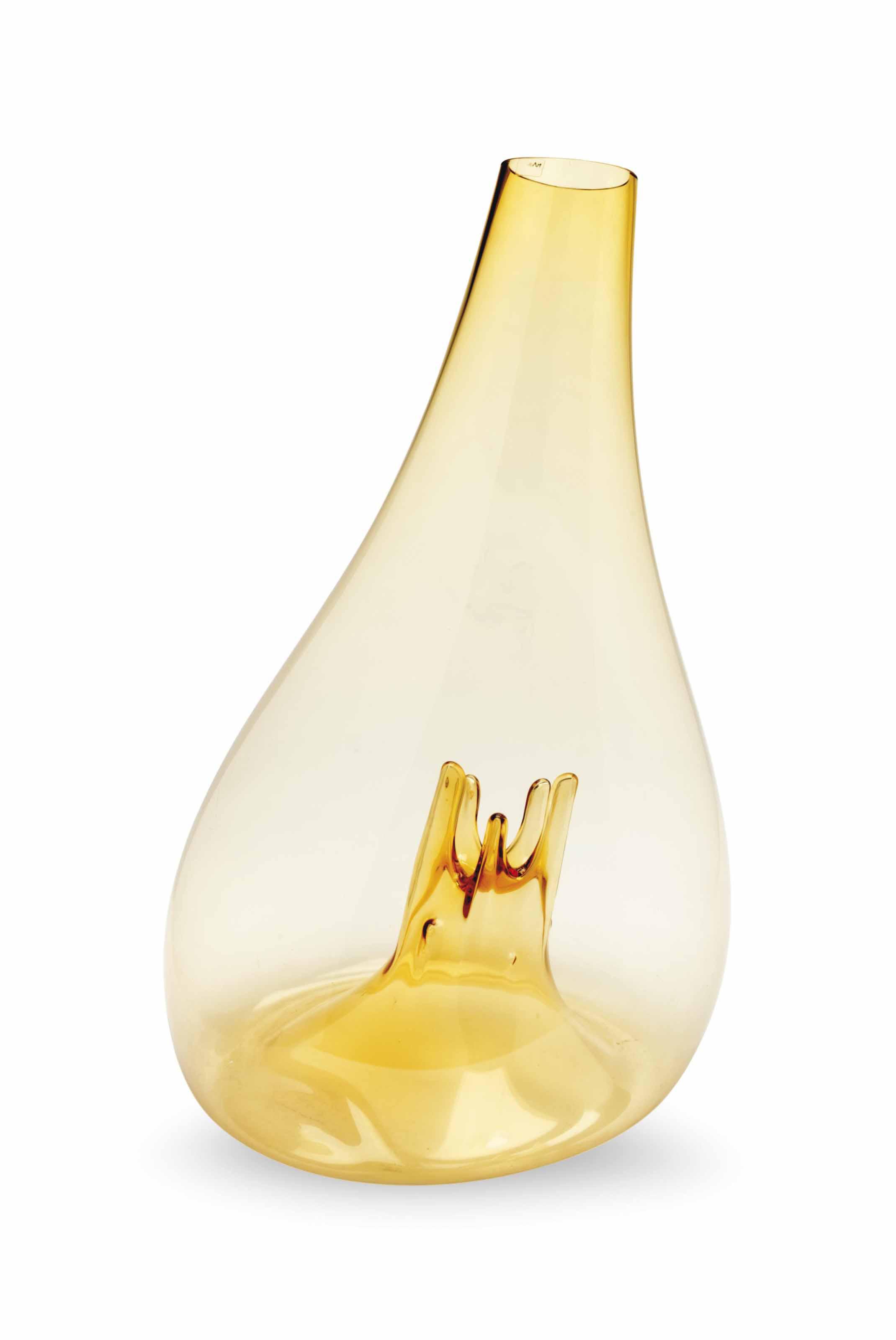 AN ITALIAN MASSIVE BLOWN AMBER GLASS SCULPTURAL VASE, OTRI
