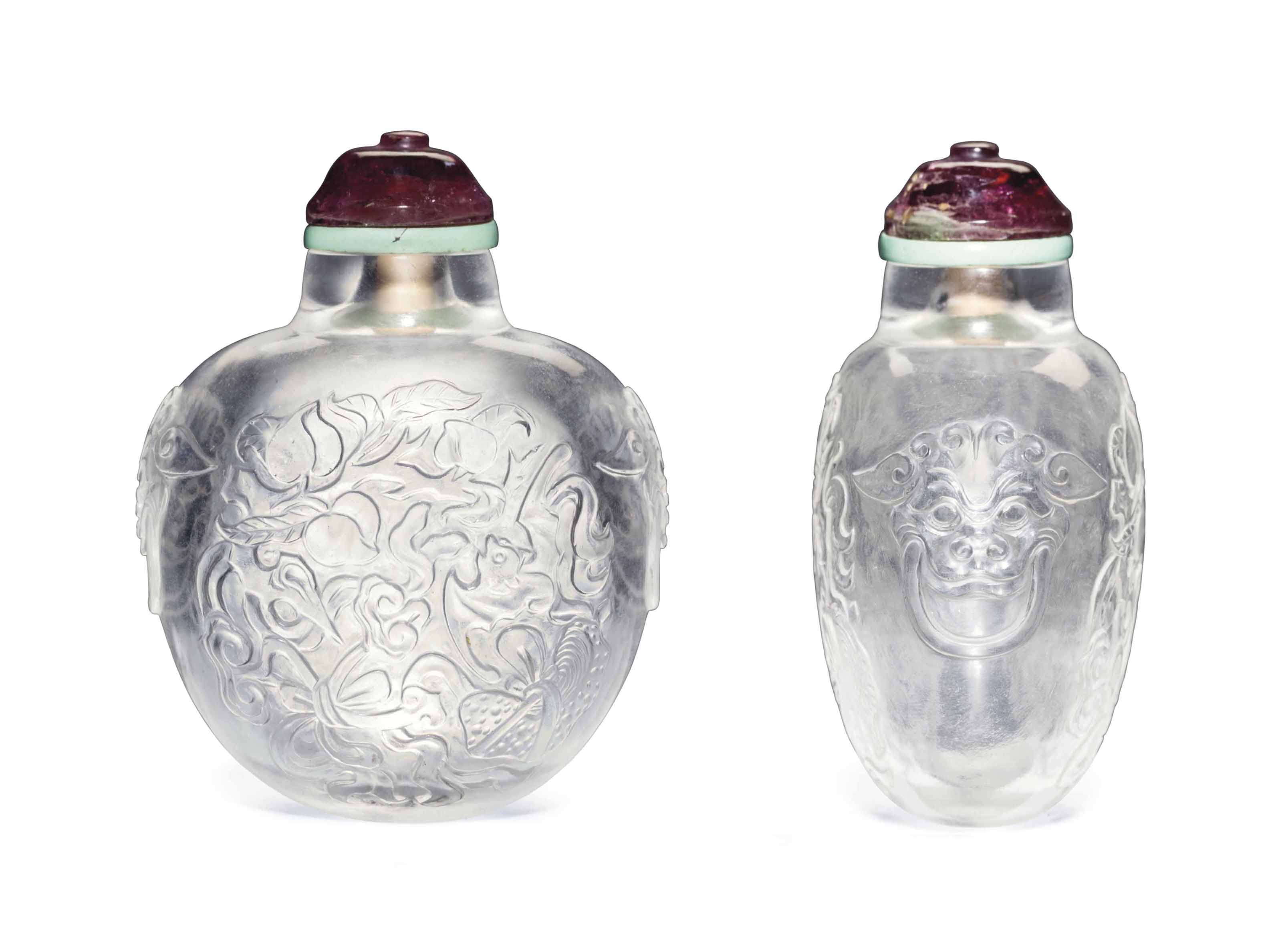 A CARVED CRYSTAL SNUFF BOTTLE