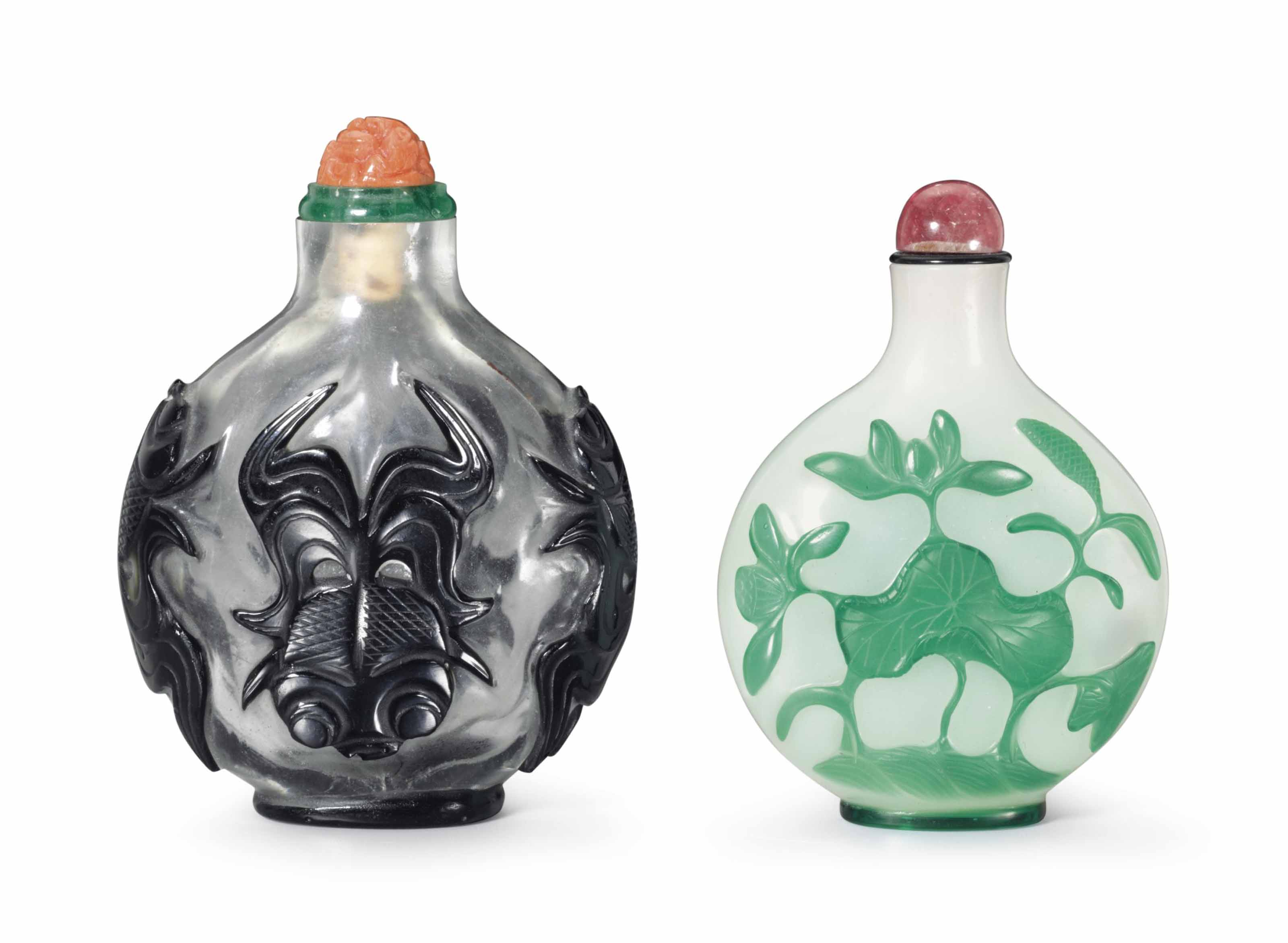 TWO OVERLAY GLASS SNUFF BOTTLE