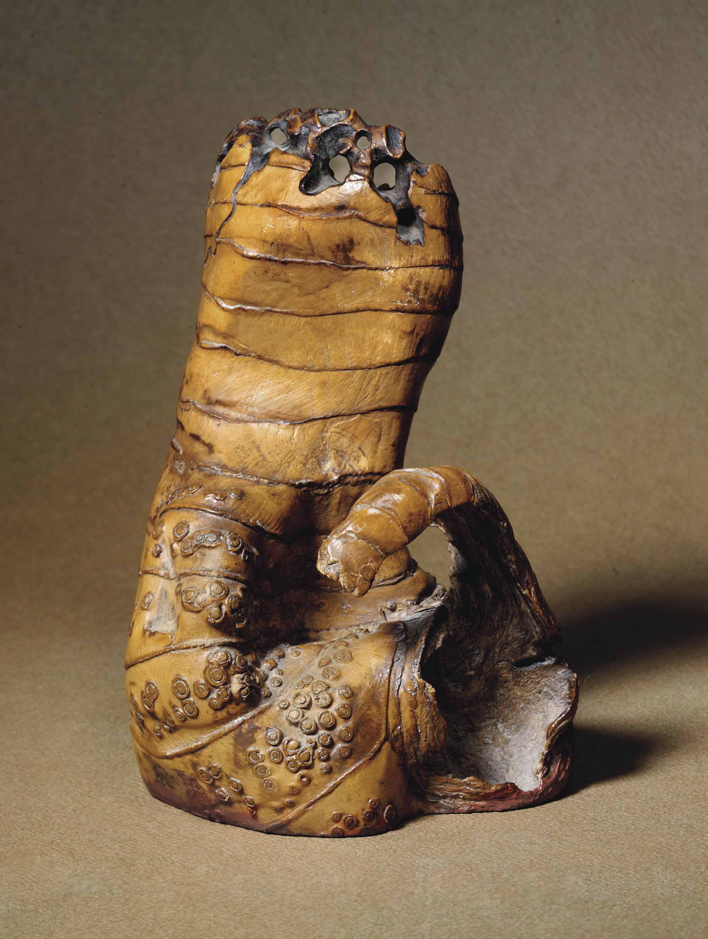 A LARGE BAMBOO ROOT SEAL