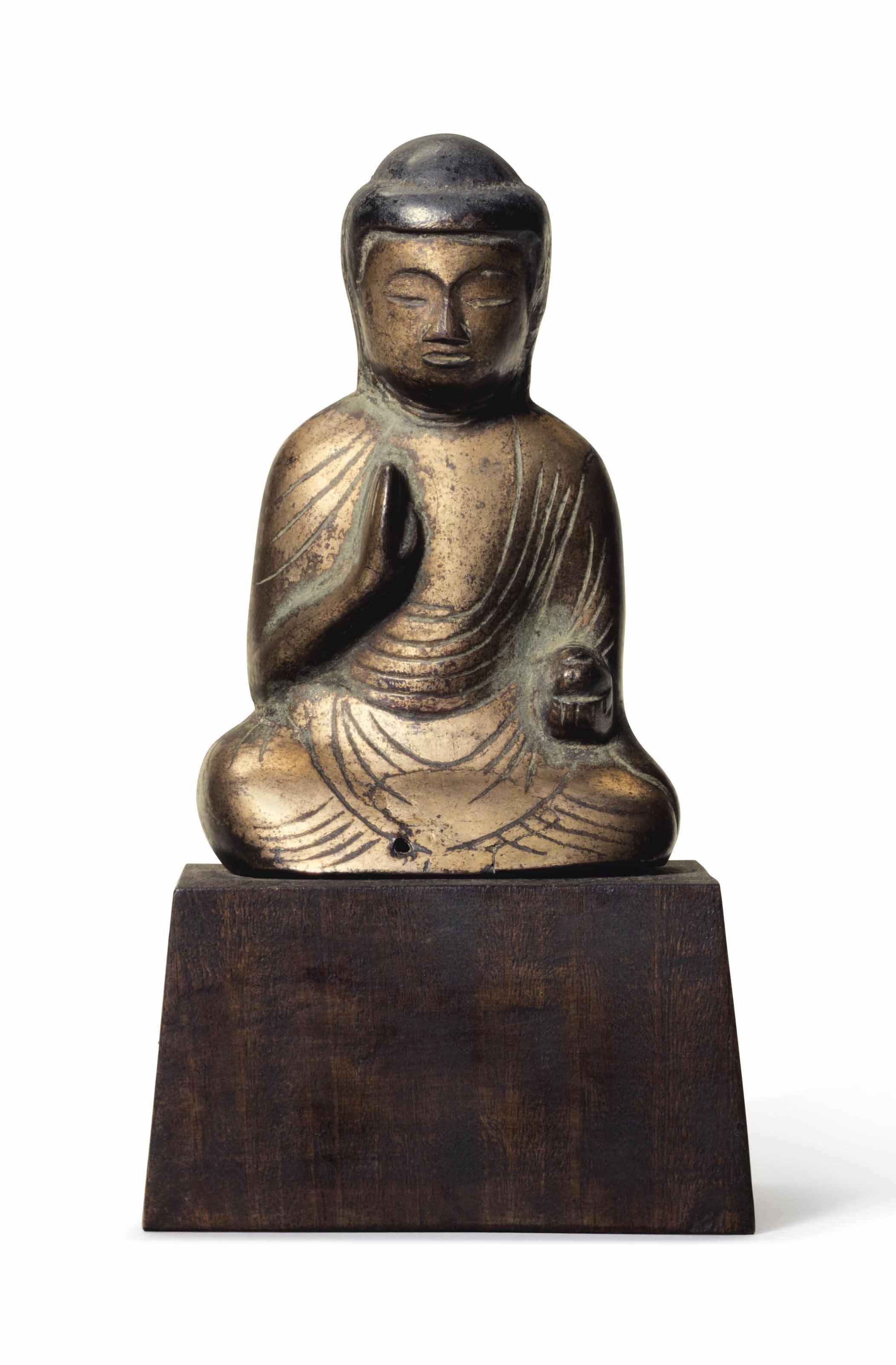 A bronze figure of Yakushi Nyo