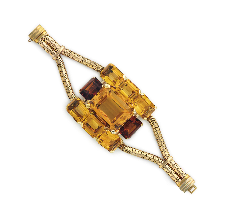 A RETRO CITRINE AND GOLD BRACE