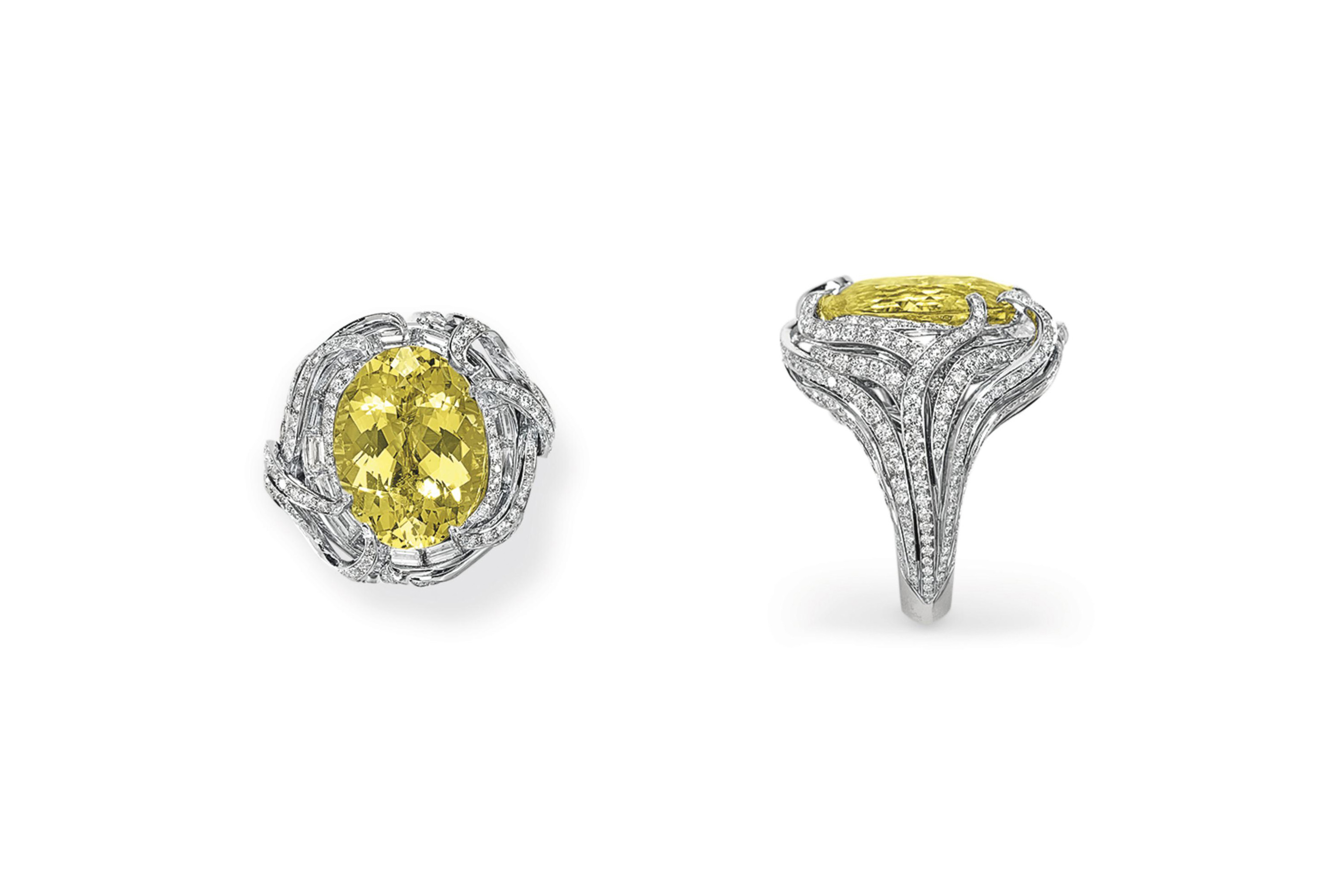 A YELLOW BERYL AND DIAMOND RING, MOUNTED BY TAFFIN