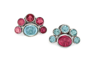 A PAIR OF AQUAMARINE AND PINK