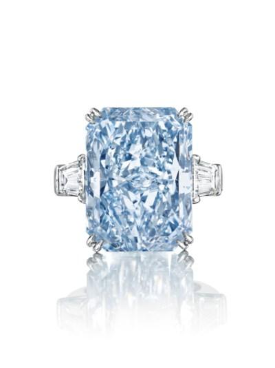 A MAGNIFICENT COLORED DIAMOND