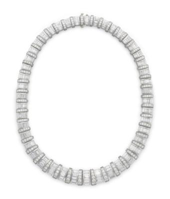 A DIAMOND 'BARREL' NECKLACE, B