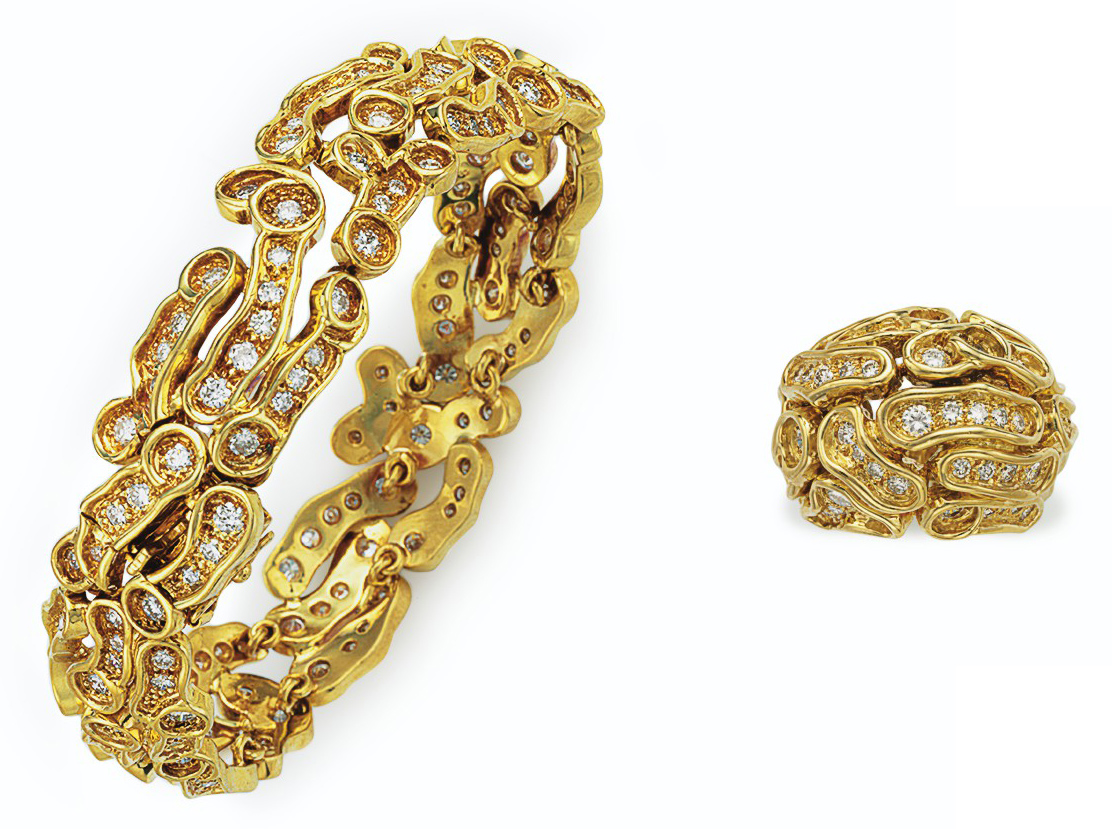 A SET OF DIAMOND AND GOLD JEWE